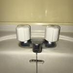 TOTO製洗面台蛇口水漏れ修理 東京都府中市 N様邸